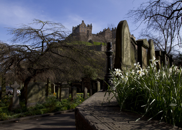 edinburgh castle st cuthberts