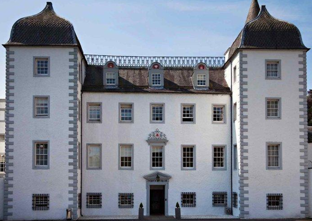 peebles barony castle