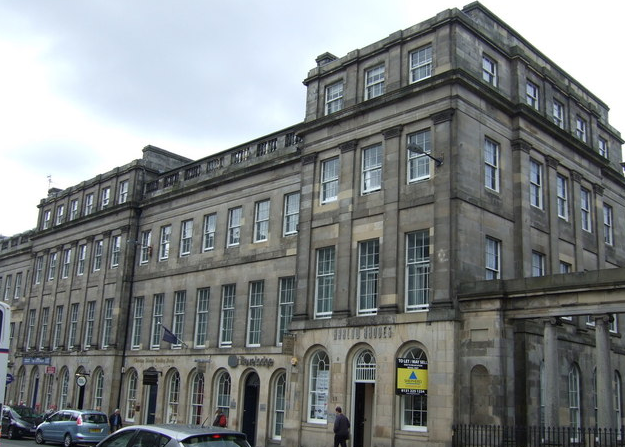 travelodge waterloo place edinburgh