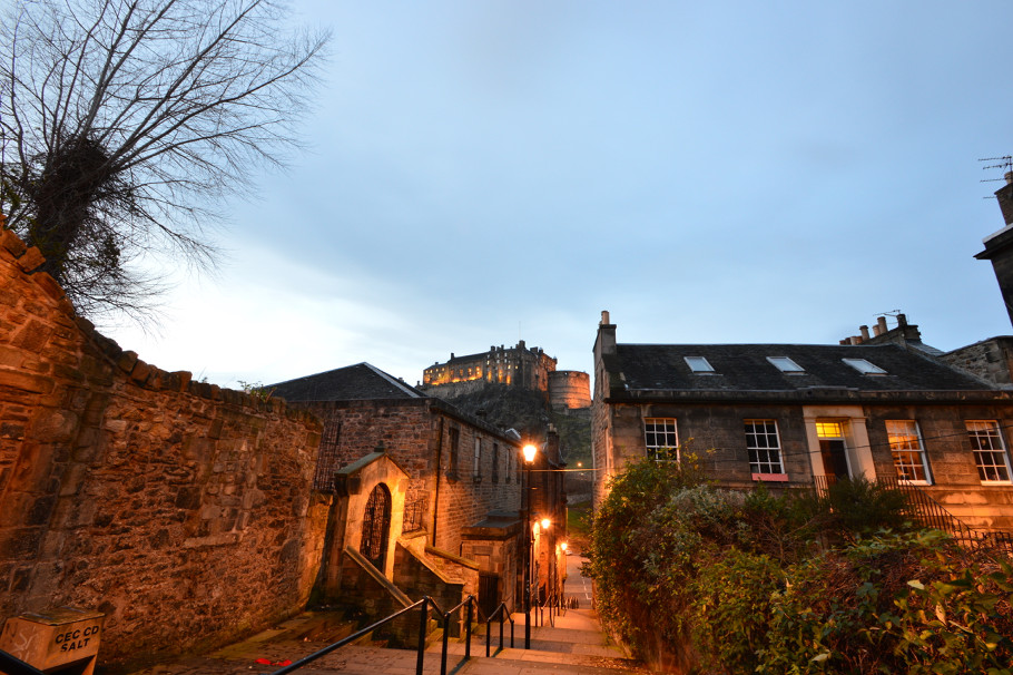 edinburgh castle the vennel