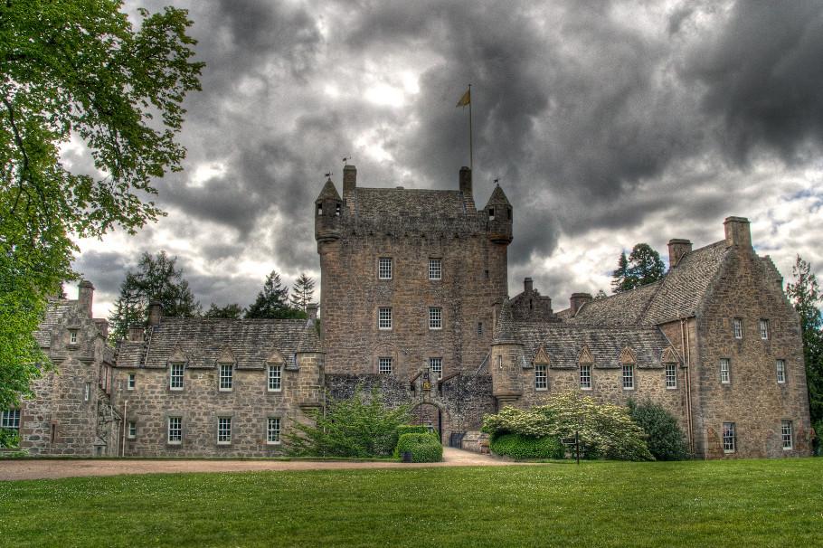 cawdor_castle_ghosts